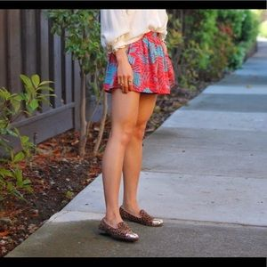 Forever21 like NEW palm print woven shorts in red